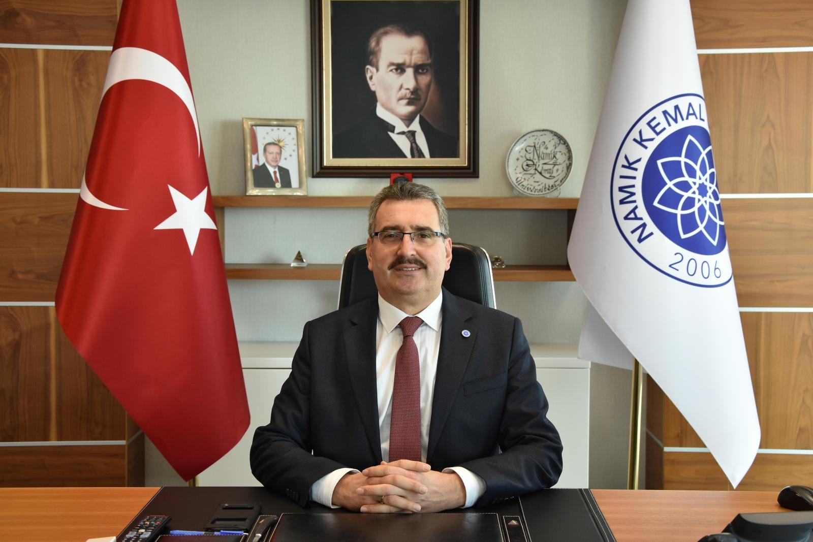 Namık Kemal Üniversitesi Rektörü Prof. Dr. Mümin ŞAHİN'in '18 Mart Çanakkale Zaferi ve Şehitleri Anma Günü' Mesajı