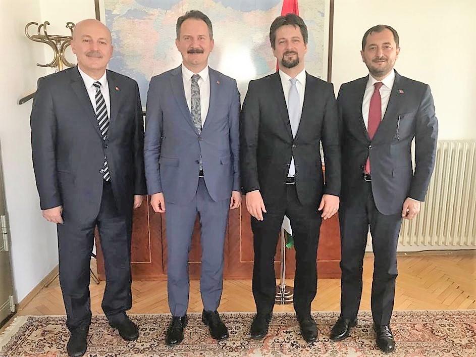 Başkan Yüksel'den Macar Büyükelçiye festival daveti