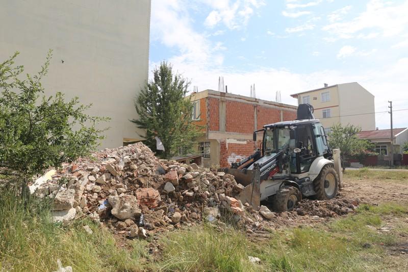 Kapaklı  Belediyesinden Moloz ve Atık Temizliği