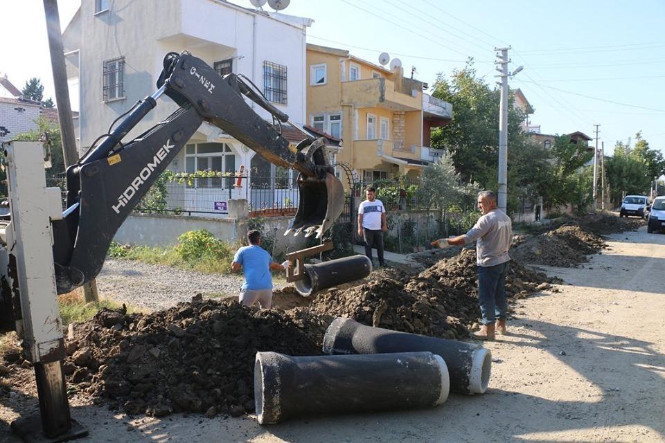 """MARMARAEREĞLİSİ'NDE İLK KEZ, ''SIKIŞTIRILABİLİR BETON YOL"""" UYGULANIYOR"""
