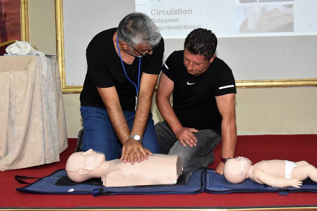 Süleyman Paşa Belediyesi personellerine ilk yardım eğitimi veriliyor