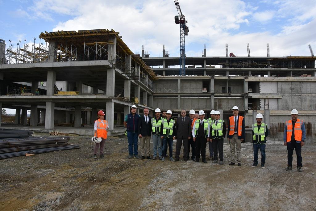 Büyükşehir Belediyesi Yeni Hizmet Binasıyla İlgili Bilgilendirme Toplantısı Düzenlendi