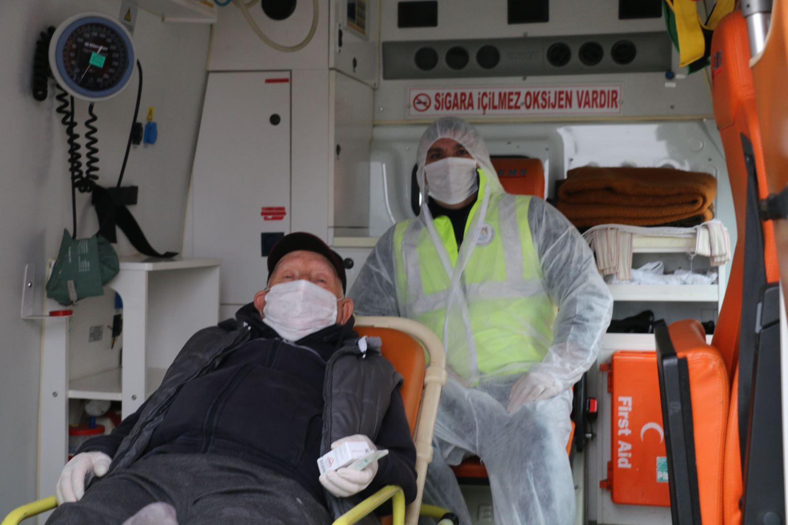 Marmara Ereğlisi Belediyesi'nin Hasta Nakil Hizmetleri Devam Ediyor